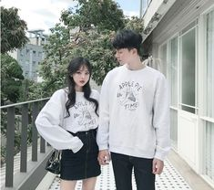 Korean Couple Fashion Outfit Ideas for Couples💗 Korean Couple Fashion, Korean Fashion Winter, Korean Street Fashion, Matching Couple Outfits, Matching Couples, Cute Couples, Mode Ulzzang, Ulzzang Girl, Couple Look