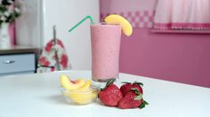 Watch our high quality video recipes showing you a variety of smoothie and juice drinks that are both tasty and good for you!