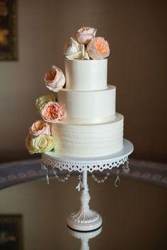nice Pièce montée 2017 - Idée de gâteau de mariage élégante - gâteau de mariage à trois niveaux avec rose frais + creme ... Check more at https://listspirit.com/piece-montee-2017-idee-de-gateau-de-mariage-elegante-gateau-de-mariage-a-trois-niveaux-avec-rose-frais-creme/