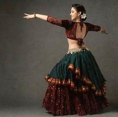 Belly Dancing Classes In San Antonio Garba Dress, Navratri Dress, Choli Dress, Choli Blouse Design, Choli Designs, Lehenga Designs, Tribal Fusion, Dance Outfits, Dance Dresses