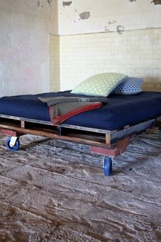 pallet bed- industrial casters