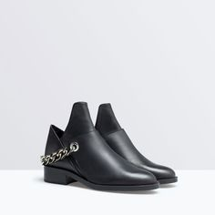ZARA - SHOES & BAGS - OPEN LEATHER BOOT WITH CHAIN