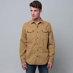 Com seu visual vintage e aventureiro, a camisa Timberland Vintage Cargo é perfeita para os dias frios. Não deixe de comprar a sua: http://www.timberland.com.br/confeccao/camisa-timberland-vintage-cargo/prod001-3388-004.html