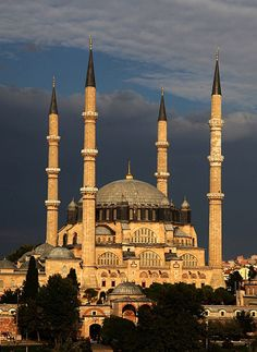 A Master work of Classical Ottoman Architecture. Edirne was the capital of the Ottoman Empire prior to the conquest of Istanbul and is famous for its mosques, the elegant domes and minarets, where as Selimiye is the most important monument in this historic city.