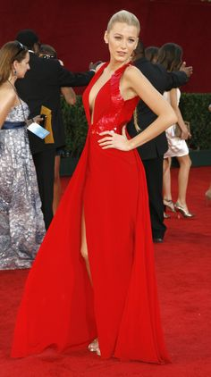 Blake Lively - Primetime Emmy Awards 2009 - Versace - so hot! Blake Lively  Dress. Blake Lively DressBlake Lively StyleLady In RedGown ... eae80d6f2d13