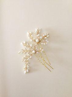 Bridal hair pins Pearl Hair pins Crystals hair Pin by amuandpri