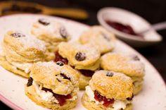 Scones - very british! No Bake Desserts, Scones, Muffins, British, Cookies, Baking, Cake, Sweet, Food