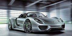 La Porsche 918 Spyder est une voiture de sport hybride, dévoilée en septembre 2013 et produite à seulem