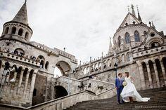 Szilvi&Merijn - Esküvő a Halászbástya Étteremben - Szilvi és Merijn esküvője a Halászbástya Étteremben azok közé az ünnepnapok közé tartozott, amelynek valóban a Budapesti panoráma adhatta a legmegfelelőbb hátteret. Buda Castle, Wedding Photoshoot, Budapest, Wedding Day, Travel, Ideas, Pi Day Wedding, Viajes, Wedding Anniversary