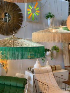 Living Room Designs, Living Room Decor, Fabric Lampshade, Lampshades, Victorian House Interiors, Light Em Up, Archi Design, Diy Chandelier, Interior Design