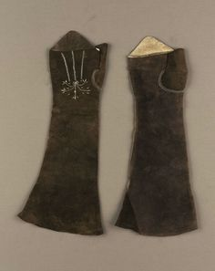 Pair of women's mitts, American, late 18th century
