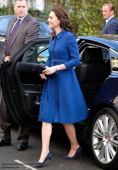 """@HRHDuchesskate It's Eponine London for Kate's First Engagement of 2017 hrhduchesskate.blogspot.com/2017/01/its-ep… : Kate Meets Families for First Engagement of 2017: """"Parenting is Tough"""" The Duchess of Cambridge carried out her first engagement of 2017 this morning in support of her patronage, Anna Freud Centre for Children and Families."""