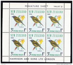 Bellbird Reptiles And Amphibians, Miniature, Birds, Animals, Logos, Animales, Animaux, Logo, Miniatures