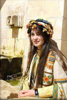 http://www.kurtkulturu.com/kurt-kizlari