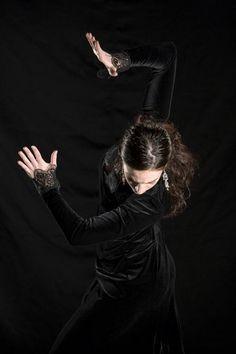 Paco Peña Flamenco Dance Company - Flamenco Vivo - New York Dancers Body, Tango Dancers, Yoga Dance, Dance Art, Shall We Dance, Just Dance, Dance Photos, Show Photos, Ballet
