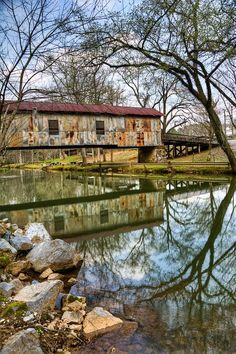 Covered bridge at Kymulga Grist Mill Park, Childersburg, #Alabama. Built by Confederate Army Captain Forney who died before completion, and his wife allowed the contractor to complete the mill.  (photo via https://www.flickr.com/photos/outsideshot/)