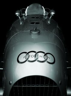 Beautiful industrial design of a Auto Union Type C racing car, precursor to the Audi brand Audi Sport, Sport Cars, Race Cars, Auto F1, Auto Union, Luxury Sports Cars, Audi Cars, Vintage Racing, Vintage Auto