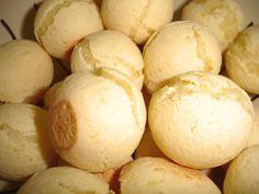 Pão de Queijo da Jacque -  Ingredientes500 g de povilho azedo 2 xícaras de leite ou água 1/2 xícara de óleo 5 ovos 1 colher de sopa de sal 200 g de queijo ralado (meia cura ou parmesão)