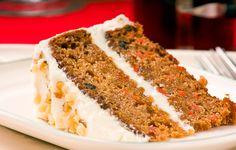 Hoy os traigo un postre que es de mis favoritos, una tarta de zanahoria que es rápida, sencilla y riquísima. La podrás preparar en unos 20 minutos, y queda