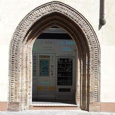 Fidenza: L'Oratorio di S. Agata nel tratto urbano della Via...