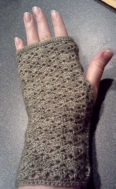 I wanted a lacy, dainty glove. And something light to wear this summer. I love these lady-like, elegant gloves. I will probably make another pair this summer in a cotton. Crotchet Patterns, Knitting Patterns Free, Free Knitting, Love Crochet, Crochet Gifts, Crochet Things, Crochet Mittens, Crochet Gloves, Elegant Gloves