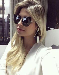 O Fendi Eyeshine reflete todo o brilho e glamour das mulheres! A linda @julianunesbarboza está diva com o dela! #fendi #eyeshine #oticaswanny
