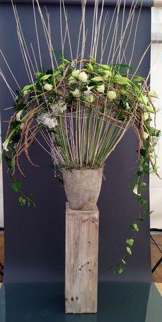Jan Aartsen of Gregor Lersch workshop? Art Floral, Ikebana, Flora Design, Floral Event Design, Design Design, Purple Wedding Flowers, Flower Bouquet Wedding, Flower Bouquets, Gregor Lersch