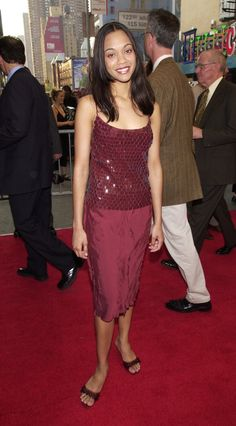 Pin for Later: So liefen die Stars zum ersten Mal über den roten Teppich Zoe Saldana, 2000