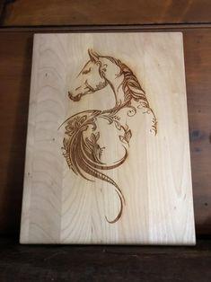 Wood Burning Tips, Wood Burning Crafts, Wood Burning Patterns, Wood Crafts, Horse Stencil, Stencil Wood, Wood Burn Designs, Pyrography Patterns, Pyrography Designs
