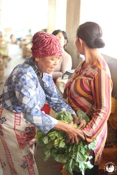 The Global Girl Travels: Discover Yogyakarta's Beringharjo Market, Indonesia Traditional Market, Yogyakarta, Travel Destinations, Travel Photography, Sketch, Inspiration, Road Trip Destinations, Sketch Drawing, Biblical Inspiration