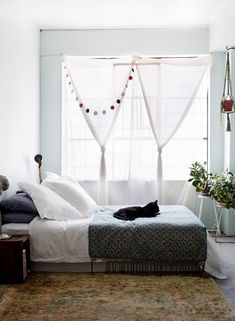 Sydney warehouse apartment of interior designer Kate Ratner and family