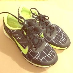 Nike Flywire Running Shoe Sneakers Neon green swoosh. Good condition! Nike Shoes Athletic Shoes