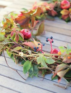 Craftberry Bush | How to make a Foraged Wreath and wild foliage arrangement | http://www.craftberrybush.com