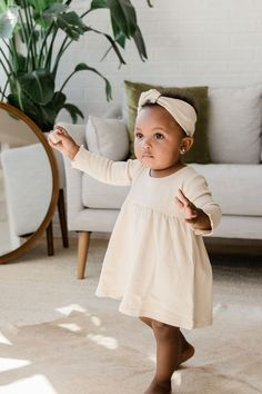 Learn about these cute kids clothing - anilec - Kindermode Baby Outfits, Outfits Niños, Toddler Outfits, Little Girl Fashion, Toddler Fashion, Kids Fashion, Fashion Clothes, Baby Kind, Baby Love