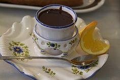 A cup of drinking chocolate at Valor - Un taza de chocolate a Valor en Valencia