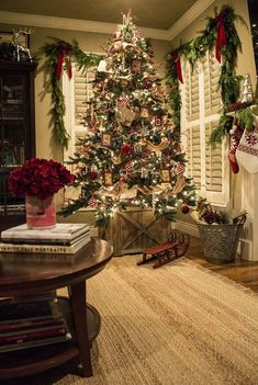 60+ Christmas Trees Beautifully Decorated To Inspire! #christmastreedecorideas
