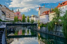 Fotografía Church of the Annunciation and Ljubljanica river, Ljubjana, Slovenia por Pierre-Olivier Fortin en 500px