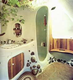 Cob House and Earthship Inspo – Zero Waste Millennial Maison Earthship, Earthship Home, Cob Building, Building A House, Green Building, Interior And Exterior, Interior Design, Cob House Interior, Interior Door