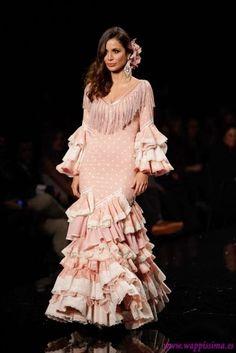 ¿ Qué tal preciosas? ¿ Cómo ha ido vuestro finde?     El nuestro no podría haber sido mas flamenco y es que hemos asistido a SIMOF 2014 ...