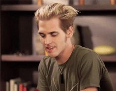 Mikey Way Count Olaf hair