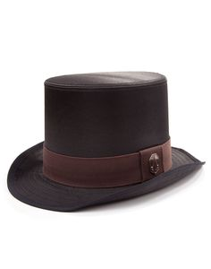 Officially-licensed Assassin's Creed Syndicate merchandise Black top hat with grey hat band Copper Assassin's emblem badge Sumptuous lining with an Assassin's emblem pattern A perfect way to blend in to a Victorian crowd The perfect topper to any Victorian ensemble is, quite frankly, a topper. A top hat, to be precise. It shows the wearer …