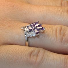 Purple Flower Ring - Beautiful Promise Rings #PromiseRing #FlowerRing #PurpleFlowerRing #RingonHand