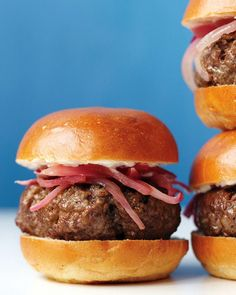 Our Best Burger Recipes for All of Your Summer Cookouts - #burger #cookouts #recipes #summer Mini Burgers, My Burger, Good Burger, Beef Burgers, Veggie Burgers, Onion Recipes, Beef Recipes, Cooking Recipes, Hamburger Recipes
