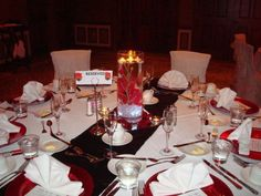 red, black and white wedding table