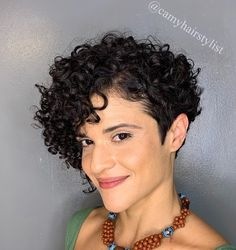 Asymmetrical Pixie Cut for Curly Hair Pixie Cut With Bangs, Short Curly Pixie, Curly Pixie Hairstyles, Haircuts For Thin Fine Hair, Short Hairstyles Fine, Short Hair Undercut, Curly Hair With Bangs, Haircuts For Curly Hair, Short Curls
