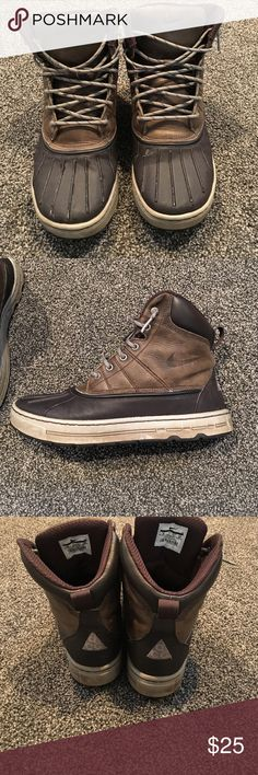Nike woodside acg duck boots Size 8 Nike acg woodside boots. In good condition. Army green leather with black rubber on lower part. I'd say they are 7/10 condition. No rips or tears. Fit true to size Nike Shoes Boots