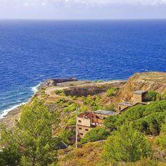 Visita http://ift.tt/1NHxzN3  La miniera di #calamita a #capoliveri nello scatto di @el_duderino_31. Continuate a taggare le vostre foto con #isoladelbaapp il tag delle vostre vacanze all'#isoladelba.