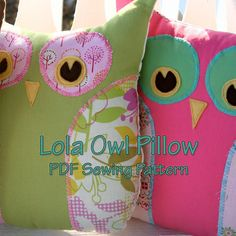 Sewing Crafts Image of Lola The Owl Pillow PDF Pattern and bonus Lola Owl Bag Pattern - WHOOOO loves a super cute handmade owl? Your family and friends, that's who! Lola Owl PDF sewing pattern makes a fun pillow or adorable trendy. Owl Patterns, Pdf Sewing Patterns, Fleece Patterns, Paper Patterns, Owl Pillow Pattern, Pillow Patterns, Owl Bags, Owl Crafts, Sewing Projects For Beginners