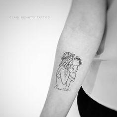 Minimalist tattoo of mom carrying her baby Mommy Tattoos, Mutterschaft Tattoos, Motherhood Tattoos, Mother Tattoos, Mother Daughter Tattoos, Baby Tattoos, Tattoos For Kids, Family Tattoos, Tattoos For Daughters