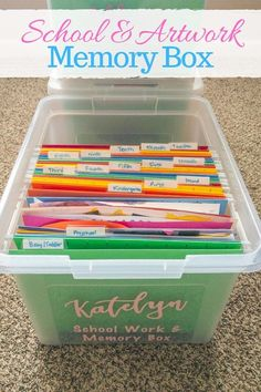 Are you not sure what to do with all of that school and artwork your kids bring home? Learn how to make your own school memory boxes. It's easier than you think to organize your kid's school and artwork! Kids School Organization, Organization Hacks, School Supply Storage, Medicine Organization, School Memories, Memories Box, School Pictures, Konmari, Decluttering